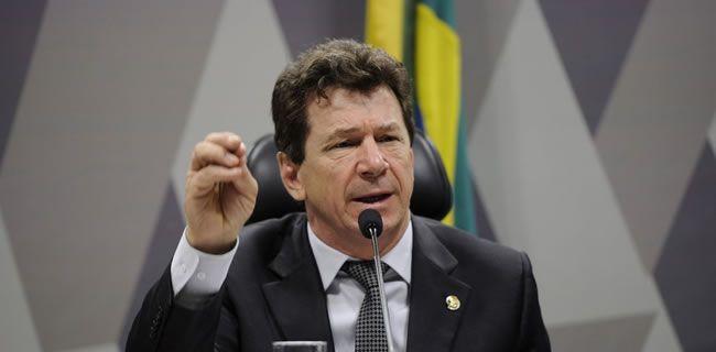 Senador Ivo Cassol sugere aposentadoria integral para servidor que fizer transposição