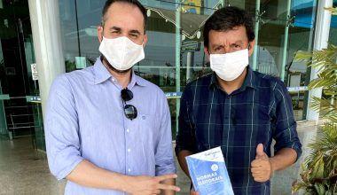 Presidentes dos Progressistas de Candeias, Itapuã, Cacaulândia e Machadinho recebem cartilhas