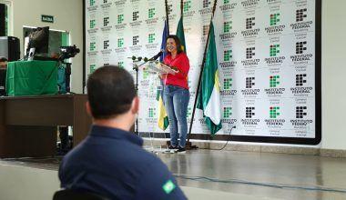 Jaqueline Cassol participa da solenidade de entrega de equipamentos para o Laboratório de Café do Ifro Campus Cacoal